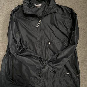 black nike wind breaker
